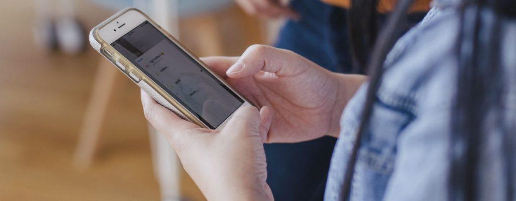 Vantagens mobile first: Melhoria na experiência e usabilidade do usuário.